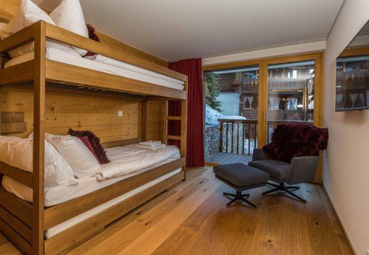 Les Rahas Bedroom